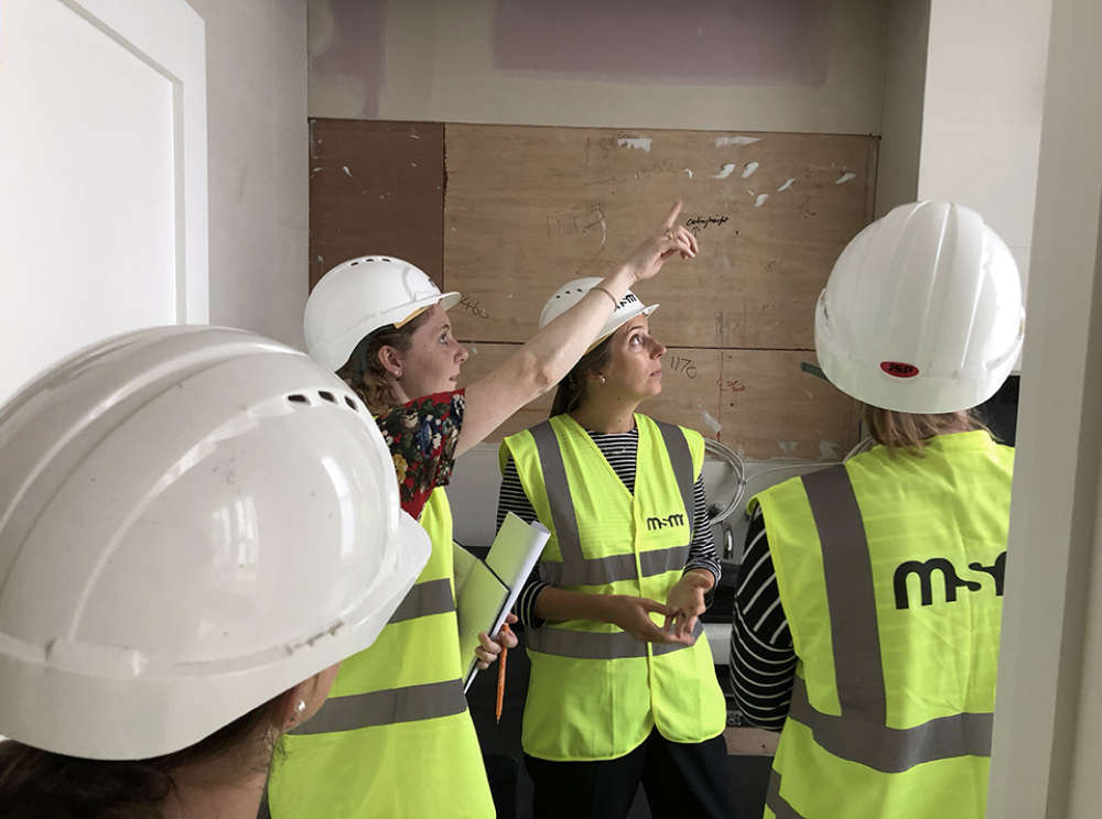 In Pictures, Architecture on Site